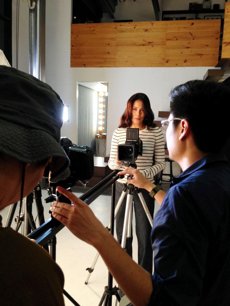 Angel Aquino prepares for her dolly close-up