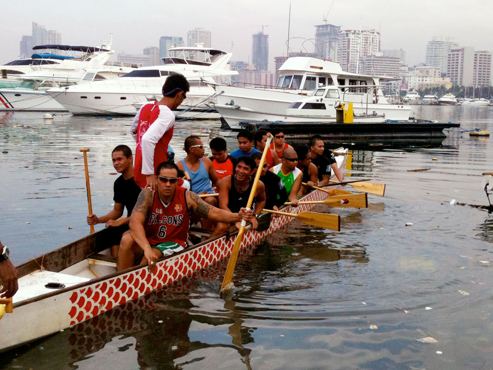 The Dragonboat rowers on Manila Bay